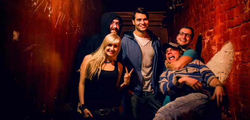 B-side: Naše hudba vystihuje emoce, který v sobě dusíme